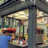 Det må være byens dyreste is, trøffelisen, som restauranterne omkring Navona-pladsen konkurrerer om at være den bedste til at fremstille.