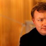 John Strand opfordrer videnskaministeren til at fremlægge en plan for teleindustriens miljømæssige rolle