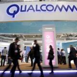 Det amerikanske teknologiselskab Qualcomm skød over analytikernes mål i det forskudte finanspolitiske andet kvartal. Det fremgår koncernens regnskab, som blev offentliggjort efter børstid onsdag. (REUTERS/Albert Gea/Files)
