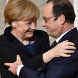 Angela Merkel og Francois Hollande efter pressekonferencen.