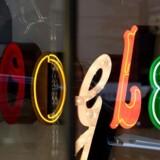 En EU-dom slår fast, at man kan kræve, at Google fjerner henvisninger til sider om en selv med forældet eller irrelevant information. Arkivfoto: Andrew Gombert, EPA/Scanpix