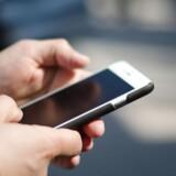 Statskassen tjener stort på skat på danskernes mobiltelefon. Arkivfoto: Iris/Scanpix