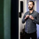 23-årige Christoffer Jakshøj er homoseksuel og tænker blandt andet over sin påklædning for at undgå konflikter.