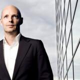 Telenors danske direktør, Henrik Clausen, kan notere sig fremgang i mobilforretningen - men tilbagegang på kobberet.