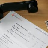 Det koster en formue at ringe fra en fastnettelefon til en mobiltelefon - og det bliver det ved med. Foto: Colourbox