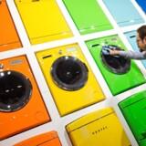 Pang, siger farverne på forsiden af den tyrkiske gigantkoncern Vestels husholdningsmaskiner. Men også på andre fronter rykker husholdningsudstyret frem i vognen og skal nu gøres personligt. Vestel ejer i øvrigt siden 2008 Vestfrost, som har til huse i Esbjerg. Foto: Rainer Jensen, EPA/Scanpix