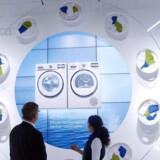 Elektronik i alle afskygninger - også vaskemaskiner og køleskabe - er i fokus i de næste seks-syv dage, når Europas største forbrugerelektornikmesse IFA åbner i Berlin. Foto: Rainer Jensen, EPA/Scanpix