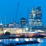 Londons skyline set fra Themsen.