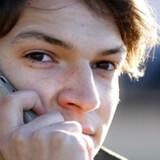 Vanens magt er stor, og derfor betaler mange brugere stadig en regning, der svinger efter, hvor meget de har brugt telefonen. Men fremover vil der komme flere tilbud, hvor man betaler en fast pris hver måned, spår teleanalytikere.