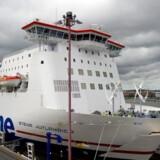 Det svenske selskab Stena Sessan ejer passagerfærgen, Stena Jutlandica, der sejler i fast rutefart mellem Frederikshavn og Göteborg. Stena Sessan er dog også hovedejer i medicinalselskabet Meda, der ventes at blive solgt for 66 mia. kr.