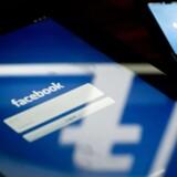 Facebook vil med relancering af reklametjenesten Atlas gøre det muligt for annoncere at målrette reklamer på baggrund af mere indsigt i, hvad folk kommer forbi, når de bruger internettet. Det sker på baggrund af den viden, selskabet opnår ved, at folk logger ind flere steder med deres Facebook-login.