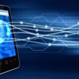 Mobiltelefoner bliver i langt højere grad brugt til data frem for til at tale i, og det er frem for alt film, der får datatrafikken på mobilnettene til at eksplodere. Foto: Iris/Scanpix