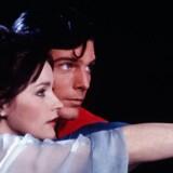 New York by nigth. Christopher Reeve som Superman og Margot Kidder som Lois Lane på natlig flyvetur i »Superman«. (AP Photo/TMS & DC Comics Inc.). (Foto: /Ritzau Scanpix)