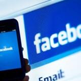 Der har længe været forlydender om, at det sociale netværk Facebook skulle være på vej med en betalingstjeneste. Nu tyder læk af skærmbilleder på, at muligheden for at overføre pengebeløb til Facebook-vennerne kan være på vej til beskedappen Messenger.