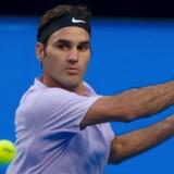 Roger Federer fandt storspillet frem i andet og tredje sæt mod Alexander Zverev. Scanpix/Tony Ashby