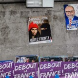 Plakater for Front National i Paris. Foto: Christophe Petit Tesson/EPA
