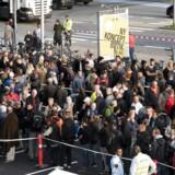 Åbningen af den nye elektronikkæmpe »Power« var årsag til massiv kødannelse mandag morgen på Roskildevej i Glostrup. (Foto: Linda Kastrup/Scanpix 2015)
