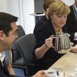 Efter 17 timers armlægning mellem Grækenlands premierminister Alexis Tsipras og eurogruppen anført af Tysklands Angela Merkel blev parterne mandag morgen enige om en aftale.