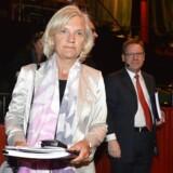 Telias bestyrelsesformand, Marie Ehrling (i midten i hvidt), leder efter en ny topchef for Nordens største teleselskab. Arkivfoto: Anders Wiklund, AFP/Scanpix