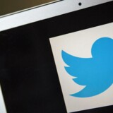 I tredje kvartal er antallet af aktive brugere af Twitter steget til 284 mio. målt på månedsbasis (MAU) - mod 271 mio. i andet kvartal. I forhold til for et år siden er der tale om en stigning på 23 pct.. Det er omkring 80 pct. af dem, der hver måned er aktive fra mobile enheder - svarende til omkring 227,2 mio. - mod 211 mio. i andet kvartal.