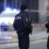 Politi ved Nørrebro Station i København, hvor den formodede gerningsmand er blevet dræbt, mandag den 15. februar 2015.