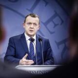 Lars Løkke Rasmussen er enig med Socialdemokraterne i, at flygtninge godt kan arbejde, inden de lærer dansk.