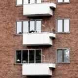 I den fremlagte finanslov bliver grundskylden på ejerboliger låst fast i 2016. Ejerboliger tæller blandt andet parcelhuse, ejerlejligheder og sommerhuse. Fastfrysningen omfatter derimod ikke lejeboliger og andelsboliger.