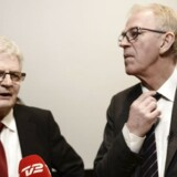 Holger K. Nielsen (t.v.) har netop overtaget udenrigsministerposten fra Villy Søvndal (th), og er allerede kommet i unåde på grund af en udtalelse om paradiset Cuba.
