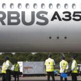 Airbus A350 XWB. EPA/WALLACE WOON
