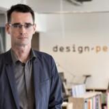 Klaus Schroeder er administrerende direktør for Design People. Siden 2009 har virksomheden beskæftiget sig med at udvikle produkter målrettet kvinder, og det har vist sig at være en god forretning både for dem og deres kunder. Foto: Henning Bagger