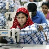 Sidst på måneden mødes den danske og nordiske tekstilbranche for at finde ud af, om de skal skrive under på den internationale aftale om sikkerhed for bangladeshiske syersker og fabriksarbejdere.