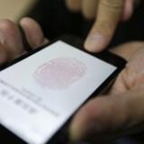 Fingeraftryksteknologien i den nye iPhone 5S kan udløse et kvantespring for smartphones, mener et dansk bureau.