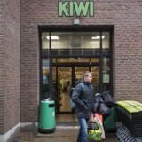 Dagrofa lukkede sidste år sine 103 Kiwi-butikker i Danmark .