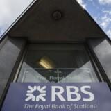 Storbritannien nedbringer sin ejerandel i storbanken Royal Bank of Scotland.