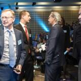 Direktionen i A.P Møller-Mærsk kan også mærke shippingfirmaet på egen pung. Her ses til venstre topchef Nils Smedegaard, i midten Trond Westlie, koncernfinansdirektør i Mærsk og til højre CEO i Mærsk Line Søren Schou.