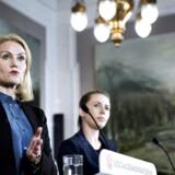 Statsminister Helle Thorning-Schmidt sammen med justitsminister Mette Fredriksen (S).