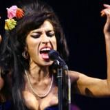 Amy Winehouse optræder - her på Glastonbury Festival i 2008.