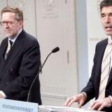 Under Muhammed-sagen måtte statsminister Anders Fogh Rasmussen og udenrigsminister Per Stig Møller flere gange stille op til spørgsmål i Udenrigspolitisk Nævn. Billedet her er taget ved et efterfølgende pressemøde.