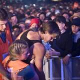 Det er ikke usædvanligt, at der er pres på til koncerter på Roskilde Festival - men i aftes var det for meget under koncerten med Alex Vargas. Billedet her er fra koncerten med Wiz Khalifa.