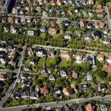 Samlet har boligejerne sparet mange milliarder kroner på rentens nedtur. Både den korte og lange rente er faldet omkring tre procentpoint, siden finanskrisen begyndte.