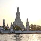 Mange af Bangkoks templer ses bedst fra vandet, hvor der er færre turister og bedre udsigt.