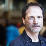 Forskeren Ole Henrik Hansen, der blev kendt da han ved hjælp af et stopur dokumenterede, hvor lidt voksenkontakt vuggestuebørn har på en dag. Her holder han oplæg for ca. 600 pædagoger i Korsgadehallen onsdag d. 25. april 2012.
