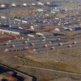Servicekontrakten på Thulebasen i Grønland er stadig i spil, efter den amerikanskejede virksomhed Exelis Service har appelleret afgørelsen, der underkender virksomhedens ret til kontrakten.