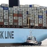 Et af A.P. Møller - Mærsks skibe blev fredag bordet af pirater i Nigeria. Det fik landets flåde i aktion.