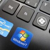 Nu bliver der længere og længere mellem disse mærker. Windows 7 sælges nemlig officielt ikke længere, men butikkerne vil stadig have lagervarer stående, så man kan få det velrenommerede styresystem en tid endnu. Arkivfoto: Mauritz Antin, EPA/Scanpix