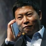 »Hallo!« Huaweis topchef, Richard Yu, præsenterede tidligere på ugen på Mobile World Congress i Barcelona den nye MediaPad X1, som har en skærm på syv tommer og dermed reelt er en tavle-PC men også kan bruges som gigantisk telefon. Foto: Gustau Nacarino, Reuters/Scanpix