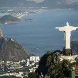 """Standard & Poor's har sænket sin kreditvurdering af Brasilien med et trin til """"BB+"""", og givet sin kreditvurdering """"negative udsigter"""", hvilket er et signal om, at yderligere nedjusteringer kan være på vej."""