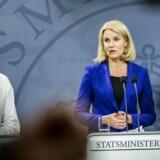 Økonomi- og indenrigsminister Morten Østergaard (tv) og statsminister Helle Thorning-Schmidt.