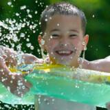 Svømmebassinet er en af feriens fem største bakteriebomber.