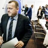 Lars Løkke Rasmussen forlader her det berømte pressemøde efter sin seneste »møgsag« - sagen om GGGI.